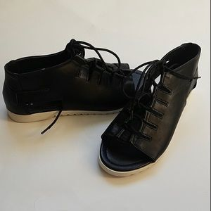 Black Cage Style Lace-Up Flat Sandals NIB